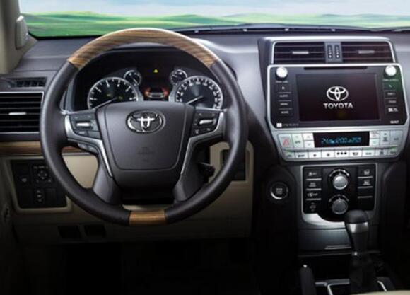 2018新款车丰田suv,霸主汉兰达开始慌了