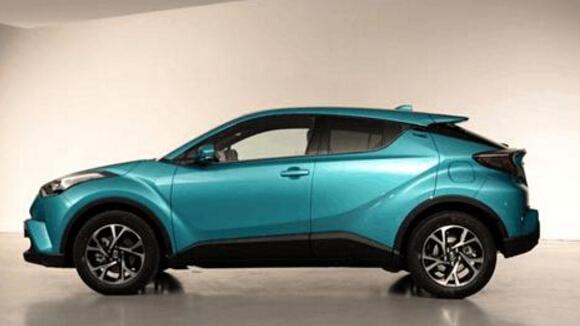 发动机动力方面,小SUV主流搭载的都是1.5L或者1.4T小排量发动机,然而丰田C-HR搭载全新2.0L自然吸气发动机,最大功率126kW,峰值扭矩:203Nm,变速箱匹配CVT无极变速,如此动力搭配使得这款广汽丰田新款suv十分经济适用,平稳又省油。 以上介绍的这款广汽丰田新款suv丰田C-HR不仅拥有缤智的价格,还具有逍客的广大空间,如此优质的一款合资车你觉得如何?