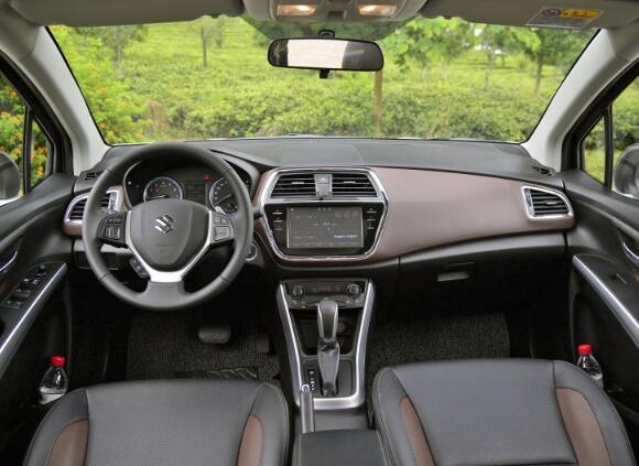 铃木suv车型报价图片,同样价位的这两款车型你会如何选择