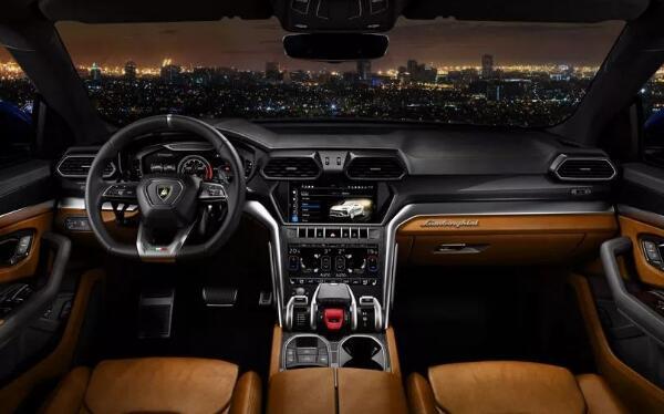 全宇宙最快的SUV车型Urus 兰博基尼suv报价313万(买不起)