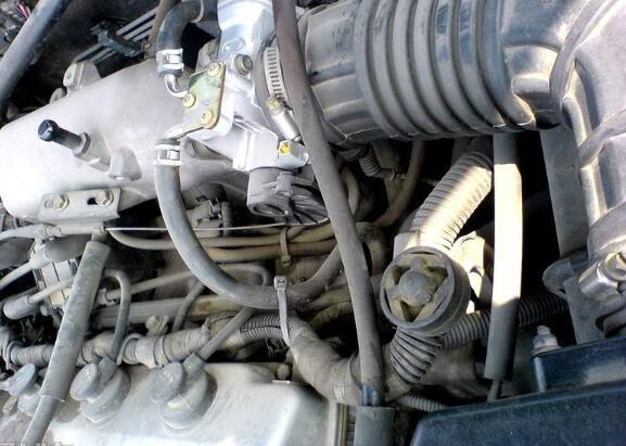 氧传感器坏了会怎么样,会增加油耗和尾气甚至更换三元催化