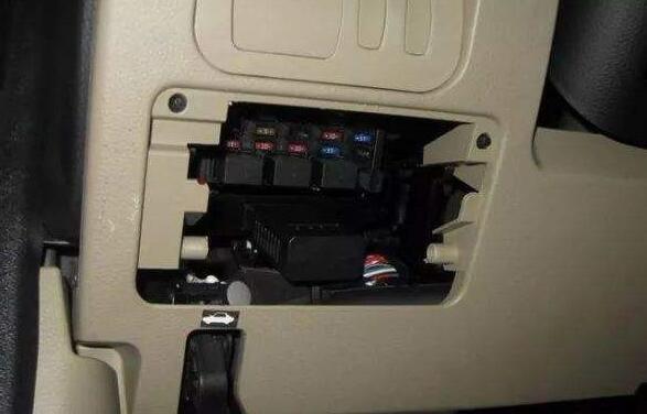 车载obd是什么意思,用于储存分析汽车行驶数据的黑匣子