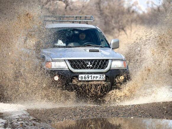十大SUV厂商排行榜,路虎稳坐SUV车型的霸主地位