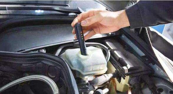 刹车油换多少合适 更换刹车油需要多少的量
