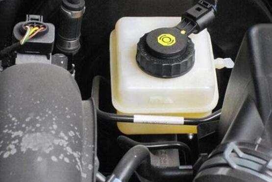 换刹车油多久 用多久刹车油需要更换