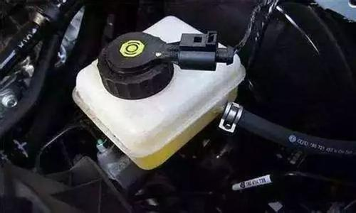刹车油更换周期 哪些情况下必须更换刹车油