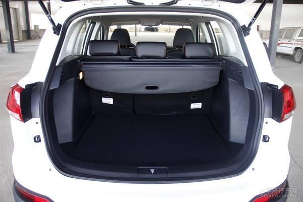大迈X7后备箱尺寸 大迈X7的空间很宽裕