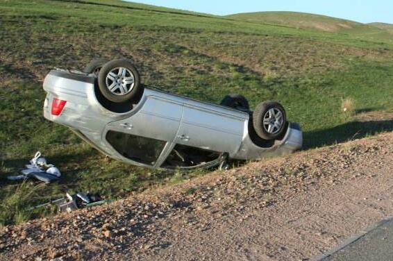 车祸中逃生技巧,不同情况的逃生技巧让你关键时刻保命