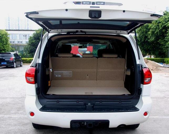 丰田红杉后备箱尺寸 空间特别大储物能力极强