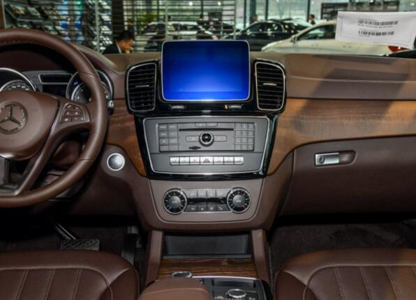 宝马x5和奔驰gle哪个好,两款豪华中大型suv全方面对比