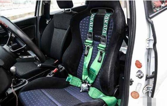 汽车内饰改装的优点,能够个性化改装但有安全隐患