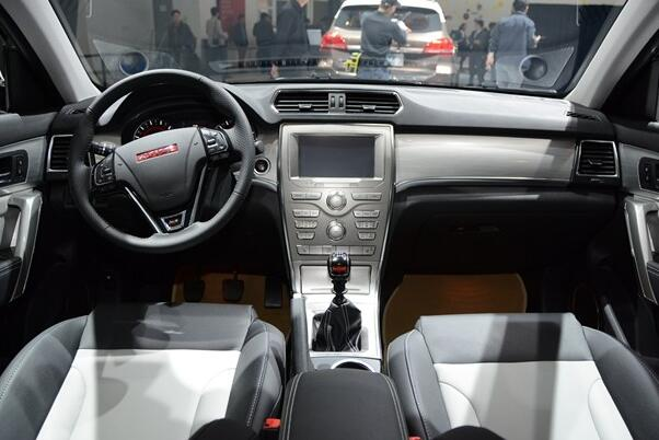 中华V6和哈弗H2哪个好 中华V6做工细腻