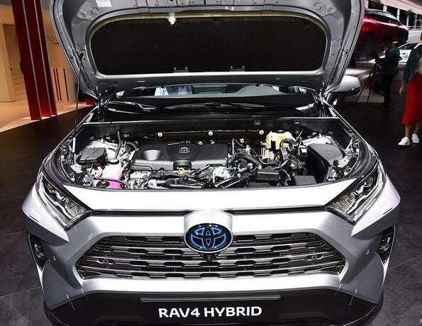 2019款丰田rav4大改款,配置升级并推出混动版售价也开始上涨