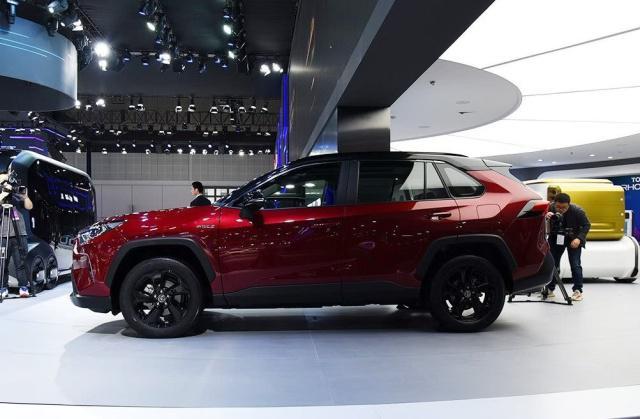 最新丰田suv新车图片 2019最新丰田suv第五代RAV4即将上市