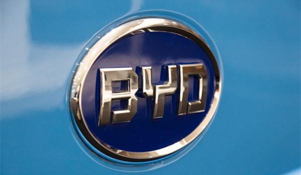比亚迪换电池政策 电芯终身质保