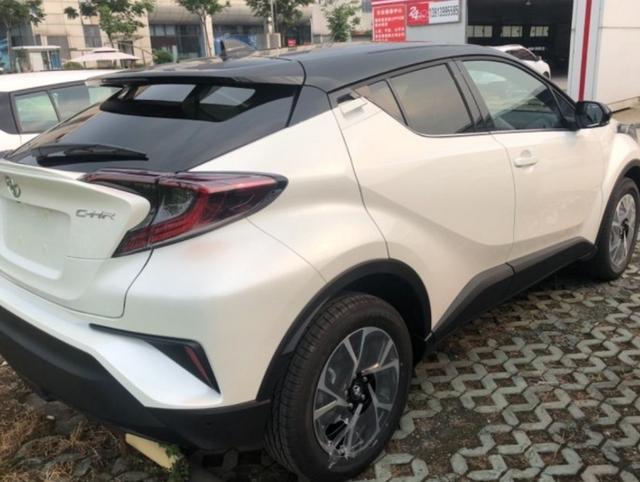 丰田chr评价 动力强油耗低唯一缺点就是空间