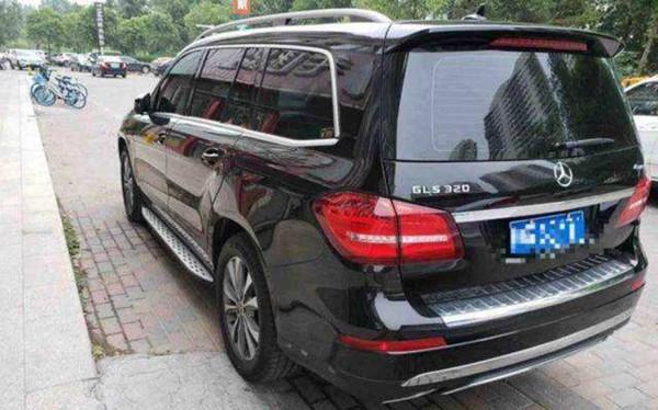 奔驰gls320报价 全国最高降价14.25万(指导价93.48万)