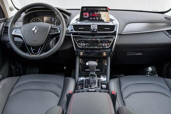 宝沃bx5内部功能键介绍 内部按键操作方便驾驶轻松