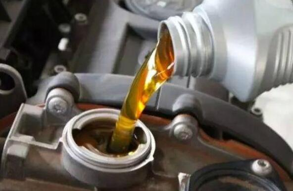 众泰sr7加多少机油 众泰sr7机油大概加4L左右就可以了
