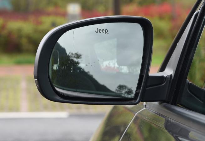 jeep指南者电动后视镜 吉普指南者后视镜怎么拆