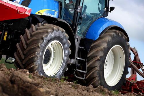米其林轮胎磨合期 轮胎磨合期多长时间(大概1000公里)