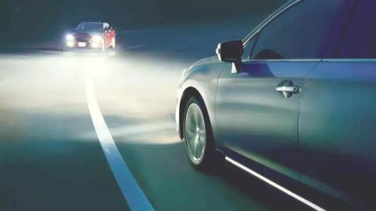 远光灯和近光灯图解 远近光灯的正确使用方法