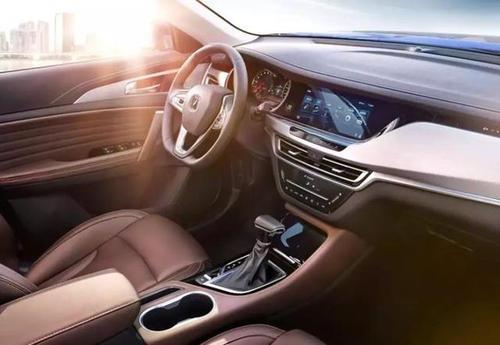 吉利汽车缤越怎么样 布局层次感十足百公里加速仅需7.9S