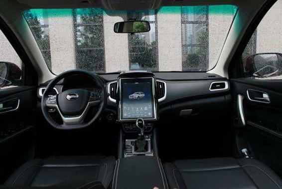 斯威汽车x7车饰坐垫怎么样 内饰奢华坐垫柔软