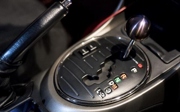 自动挡的手动模式危害大吗 导致汽车油耗增高