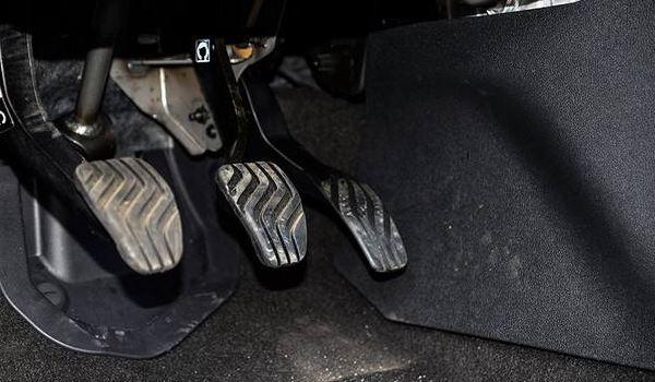 转向盘自由行程_离合器踏板自由行程过大、过小有什么影响 — SUV排行榜网