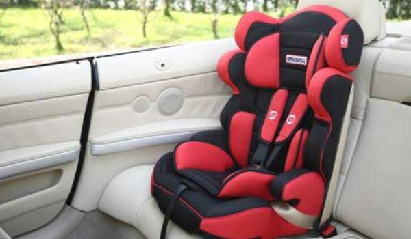 安全座椅可以放副驾驶座吗