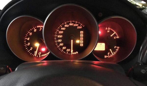 发动机故障灯亮什么原因 燃烧状态不好/发动机爆震/积碳过多