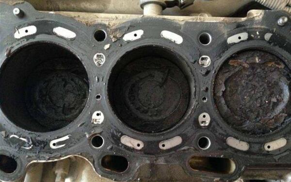 发动机熄火怎么处理 发动机熄火处理方法大全