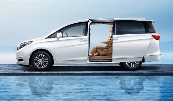 别克gl8商务车价格多少 售价22.79万百公里油耗仅为7.8升