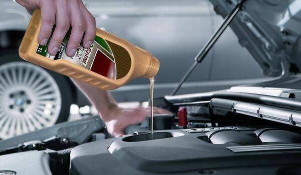 机油滤芯多久换一次正常 机油滤芯的作用是什么(过滤杂质)