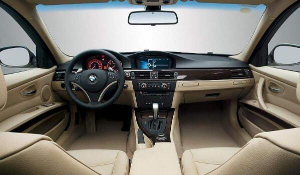 宝马630i外观豪华 2.0T/190KW高功率最低售价58.39万