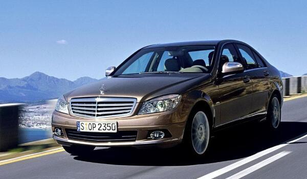 奔驰c系列价格多少钱 落地价最低仅需33.63万