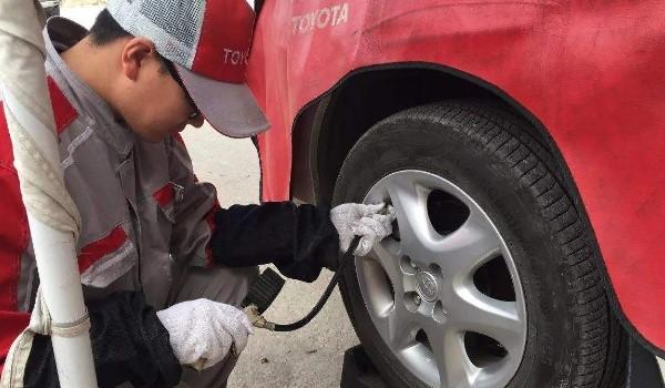 车胎压正常值在2.3-2.5之间