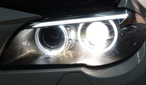 汽车大灯裂缝是不是必须要换