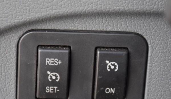 定速巡航按键字母