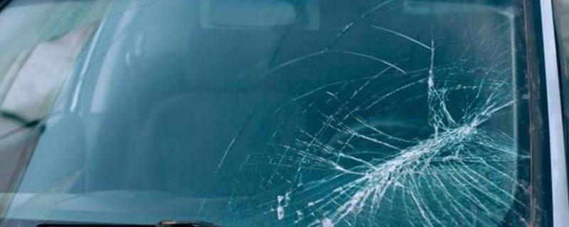 汽车玻璃险怎么报