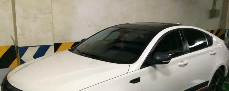 白车贴黑顶需要备案吗