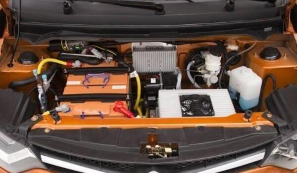 雷丁d70电动汽车价格 雷丁d70售价3万元(续航可达180km)
