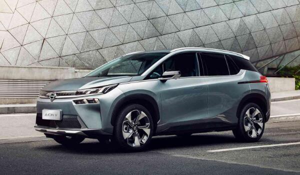 广汽传祺新能源最新款 广汽aion v续航高达600km(售价17万元)