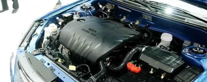 三菱发动机钢印号位置 位置是在发动机和变速箱的连接处的缸体上面