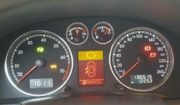 新款帕萨特仪表盘故障灯图解 绿色不管/黄色排查/红色警惕(口诀要牢记)
