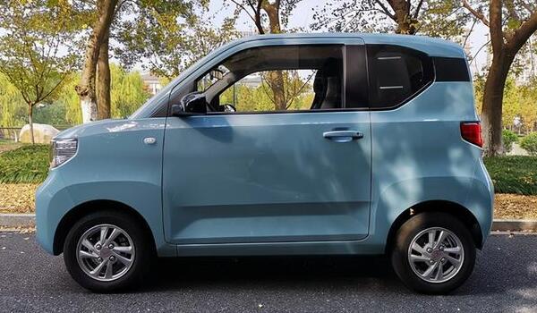 3万新能源电动面包车 宏光mini ev仅售2.8万(可乘坐4个人)