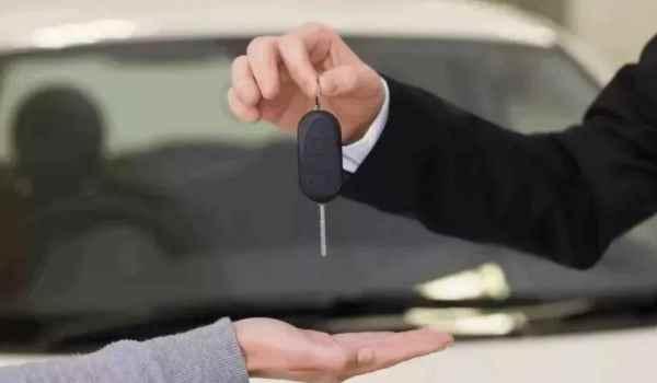 车辆过户可以保留原车牌吗