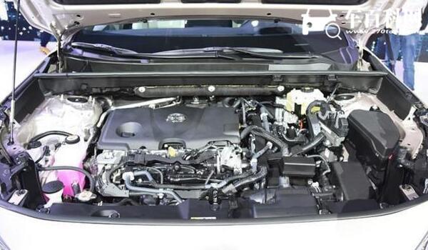 本田皓影混动和燃油哪个值得买 混动版动力高油耗低(同价位燃油版配置更多)