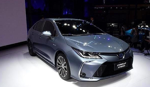 丰田卡罗拉油电混合2021新款价格 官方售价13.58-15.98万元